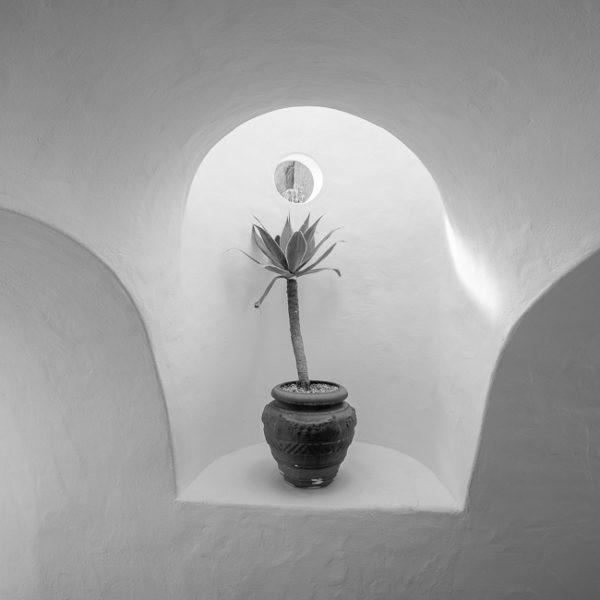 Murs blancs dans la Villa Lagomar à Nazaret, Lanzarote.